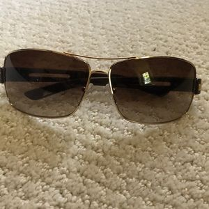 Never worn Men's Prada sunglasses